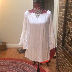 Dresses & Skirts - Adorable summer white Dress